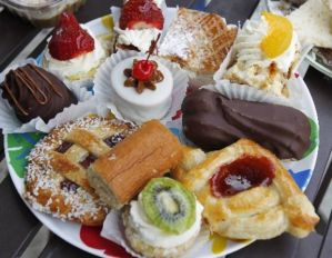 A tray of goodies from Argentina Bakery in Union City. (Tim Farrell | The Star-Ledger)