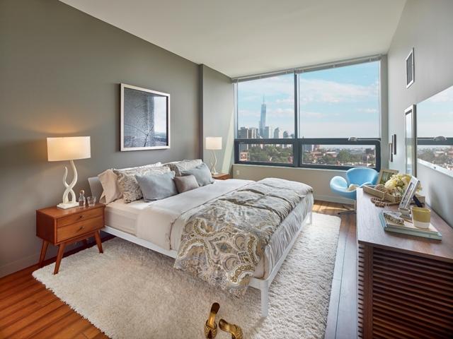 ParkGarden Model Bedroom WTC View