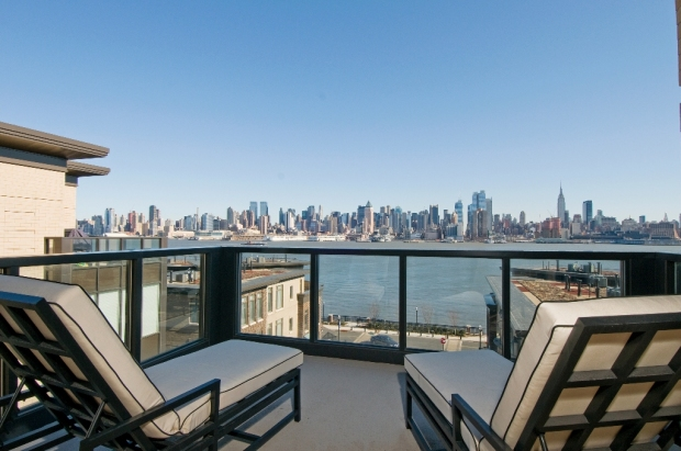 Henley Balcony a